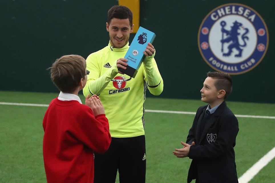 Eden Hazard wins EA SPORTS Player of the Month for October, 181116