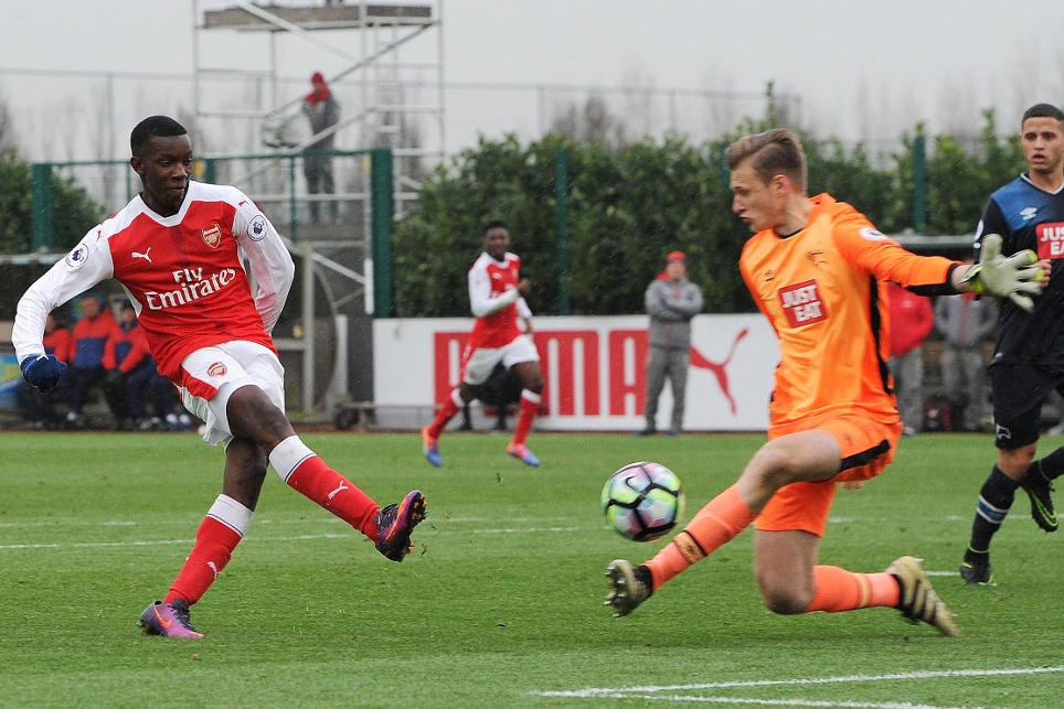 Eddie Nketiah scores the winner for Arsenal against Derby County in the PL2