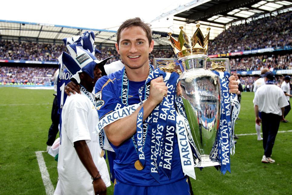 Frank Lampard with the Premier League trophy
