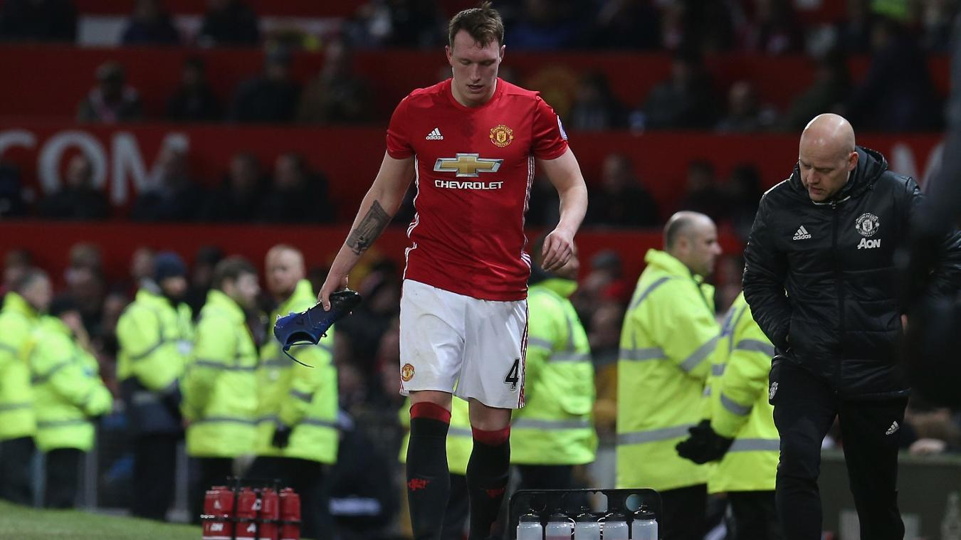 Manchester United v Hull City, 010217, Phil Jones injured