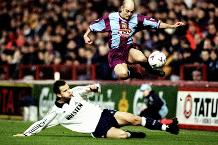 Flashback: Wright wows Spurs
