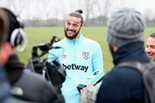 Carroll wins Carling Goal of the Month