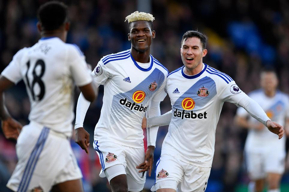 Sunderland's Didier Ndong celebrates scoring their second goal