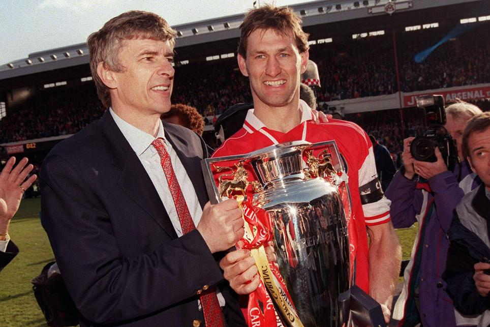 Arsene Wenger and Tony Adams with the 1997/98 Premier League title