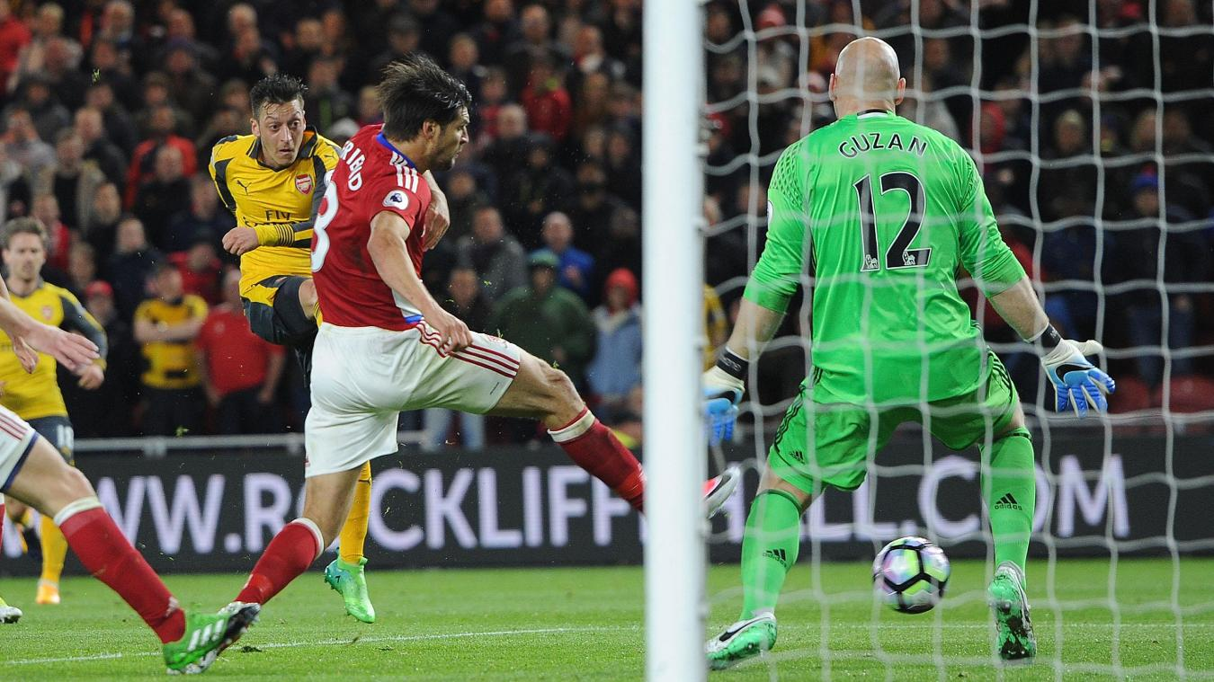 Middlesbrough v Arsenal Mesut Ozil scores