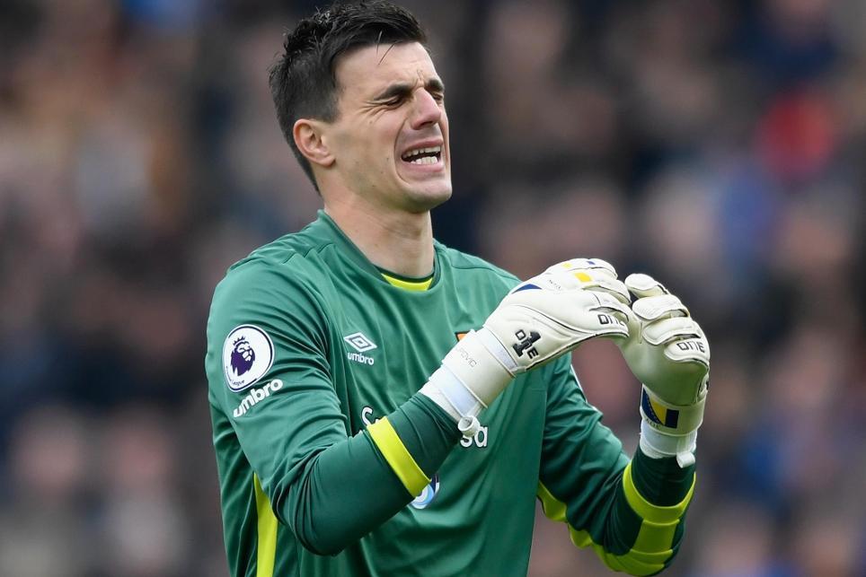 Hull City v Sunderland - Eldin Jakupovic reacts