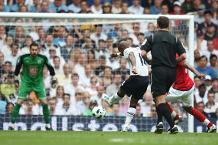 Iconic Moment: Defoe hits Spurs' 1000th PL goal