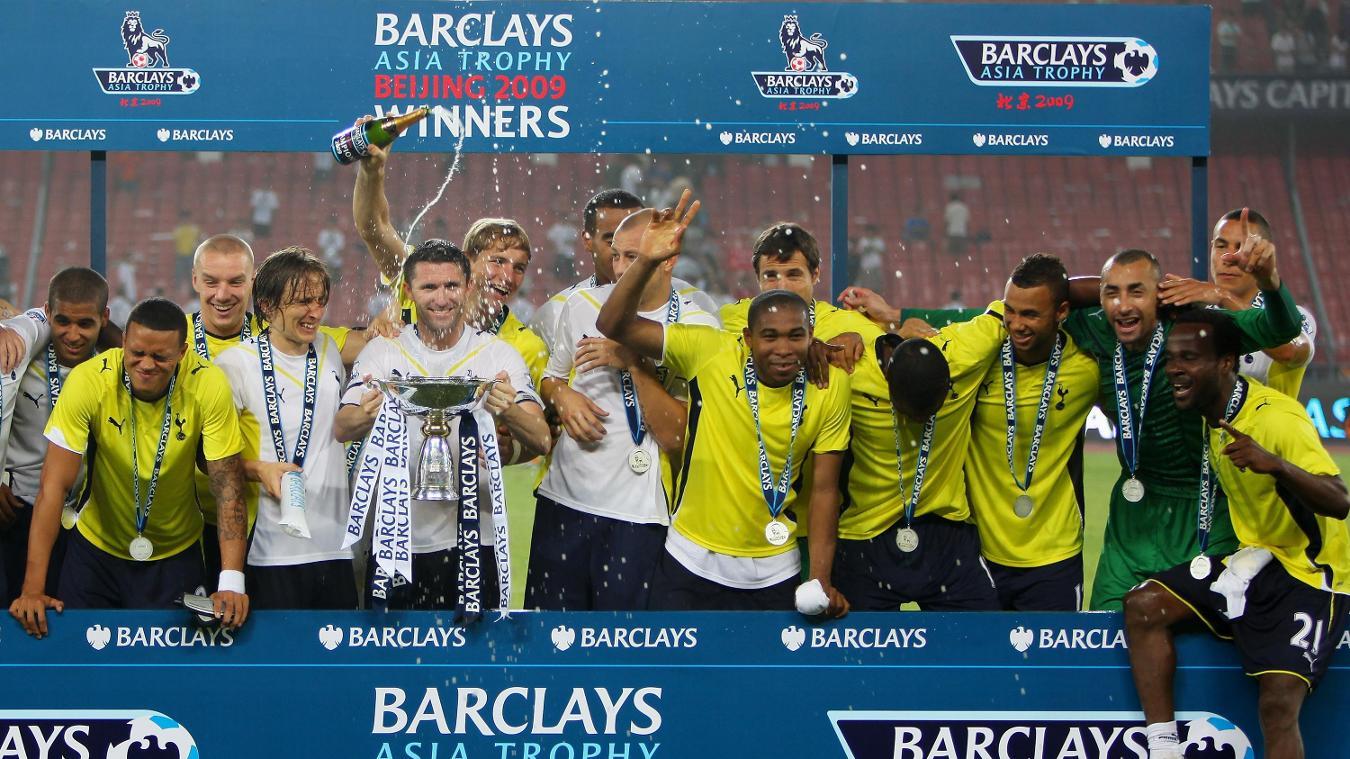 Tottenham Hotspur celebrate winning 2009 PL Asia Trophy