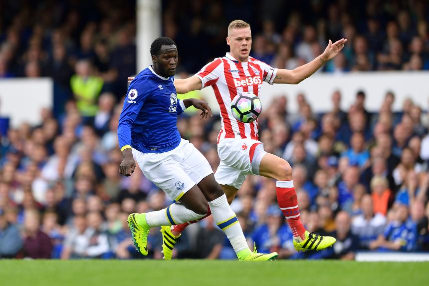 Stoke defender Ryan Shawcross, right, and Everton's Romelu Lukaku