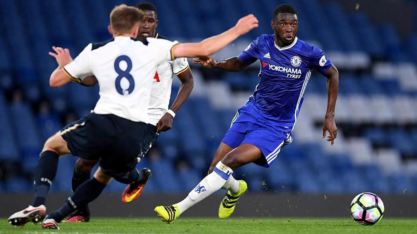 Fikayo Tomori in action for Chelsea