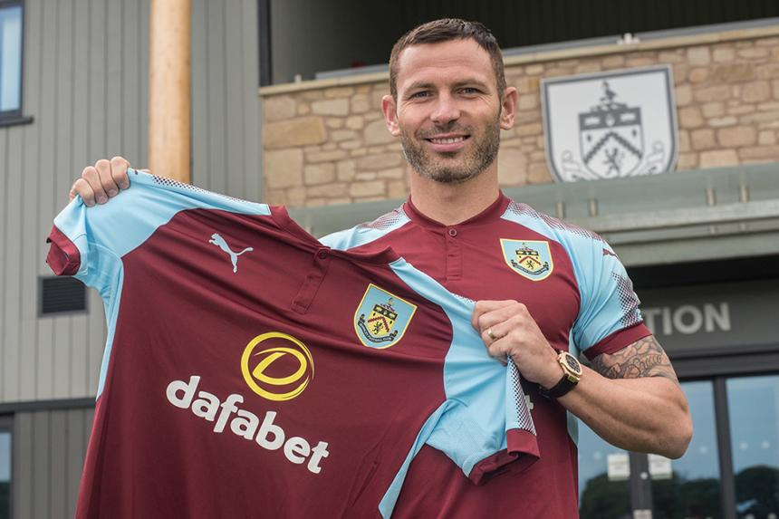 Phil Bardsley joins Burnley