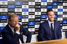 Ronald Koeman and Gylfi Sigurdsson, Everton