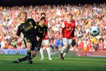 Iconic Moment: Kuyt scores latest-ever Premier League goal