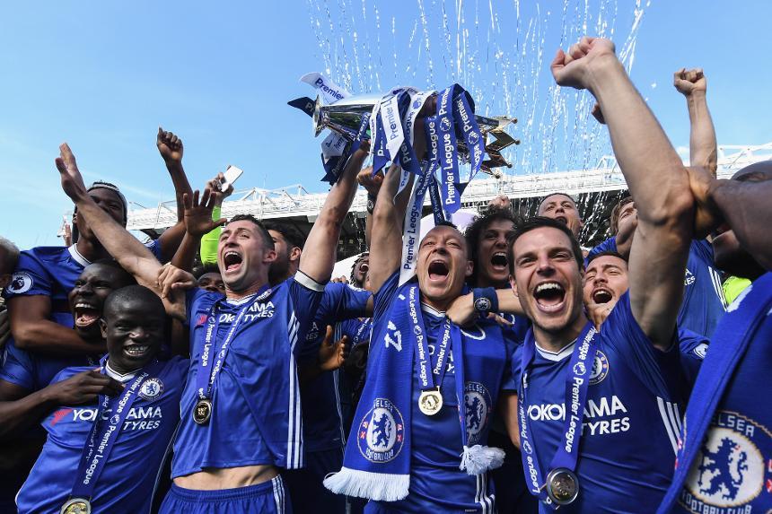 Chelsea lift Premier League trophy, 2016/17