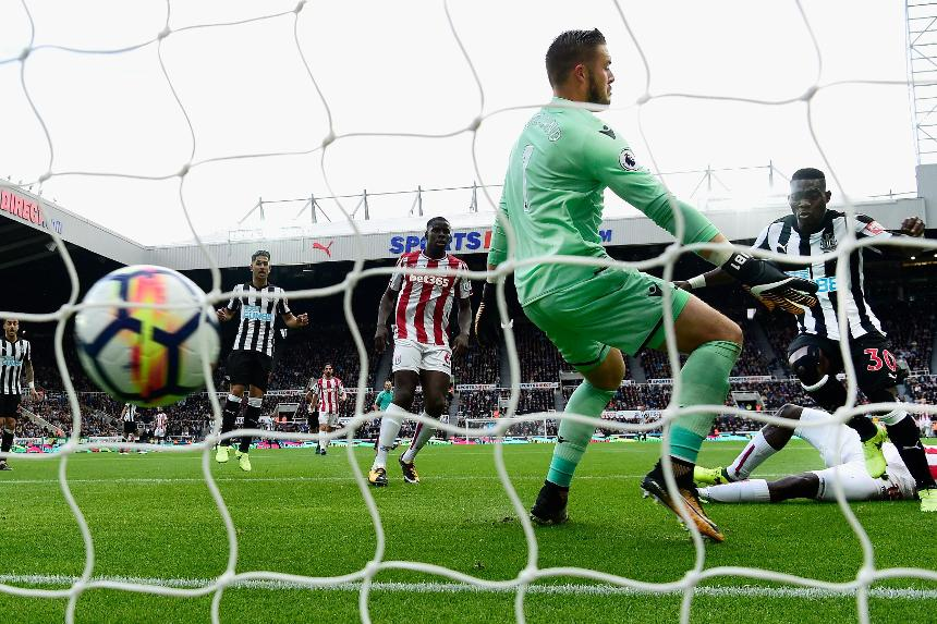 Christian Atsu scores for Newcastle