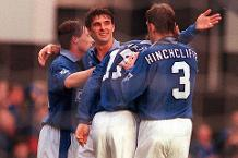 Iconic Moment: Speed hat-trick as Everton score seven v Saints