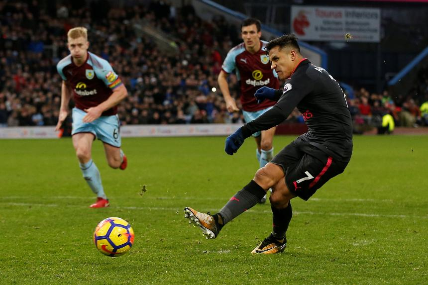 Burnley v Arsenal< Alexis Sanchez goal