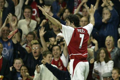 Iconic Moment: Pires and Pennant trebles give Arsenal big win