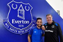 Theo Walcott and Sam Allardyce, Everton