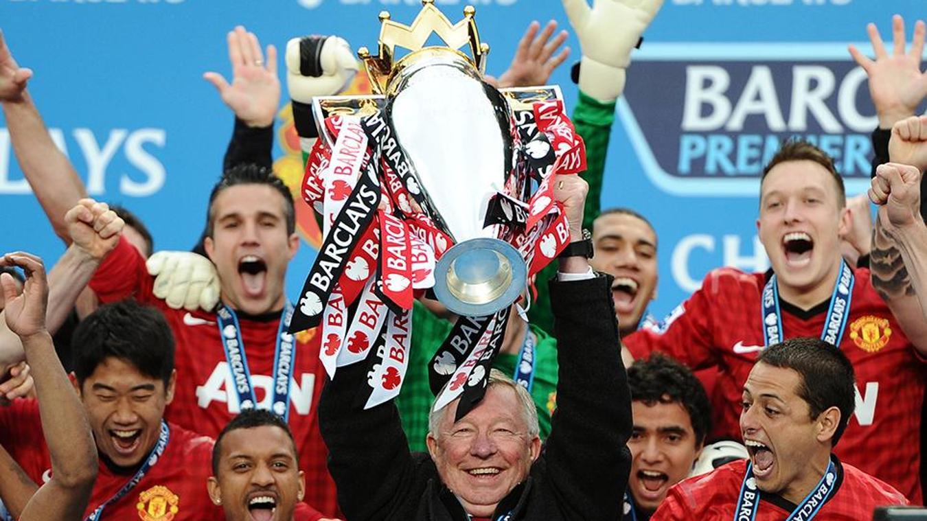 Sir Alex Ferguson lifts Premier League Trophy