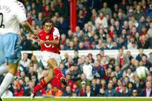 Iconic Moment: Arsenal take unbeaten run to 49