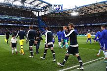 Neville: Spurs must overcome their Stamford Bridge barrier