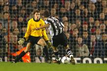 Iconic Moment: Newcastle beat Arsenal to go top