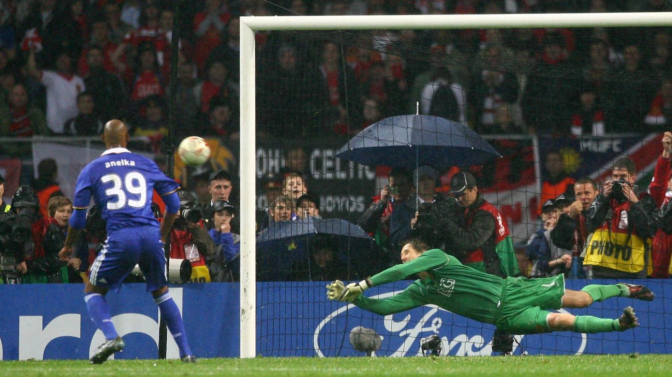 Van der Sar v Anelka penalty save