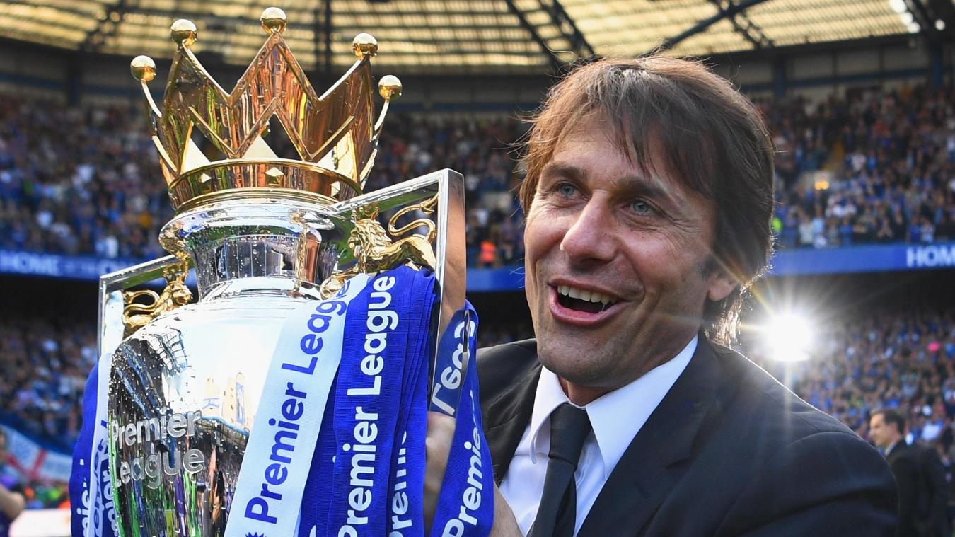 Antonio Conte, Chelsea with trophy in 2016/17