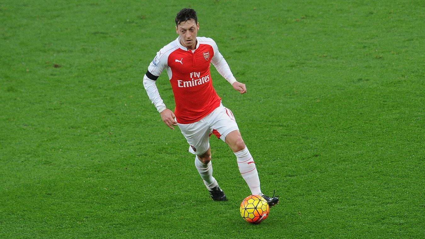 Mesut Ozil, Arsenal in 2015/16