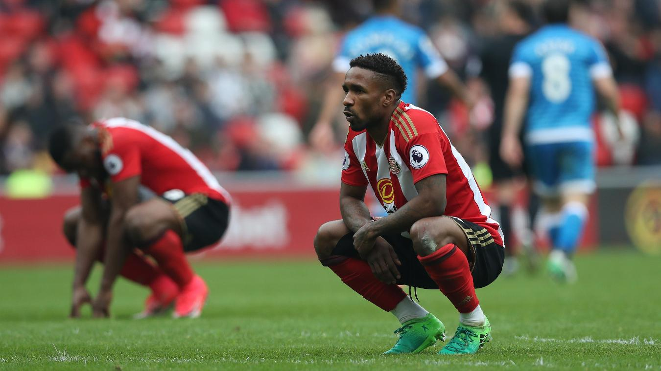 Jermain Defoe, Sunderland dejected in 2016/17
