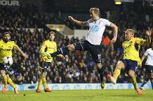 Iconic Moment: Kane scores his first PL goal