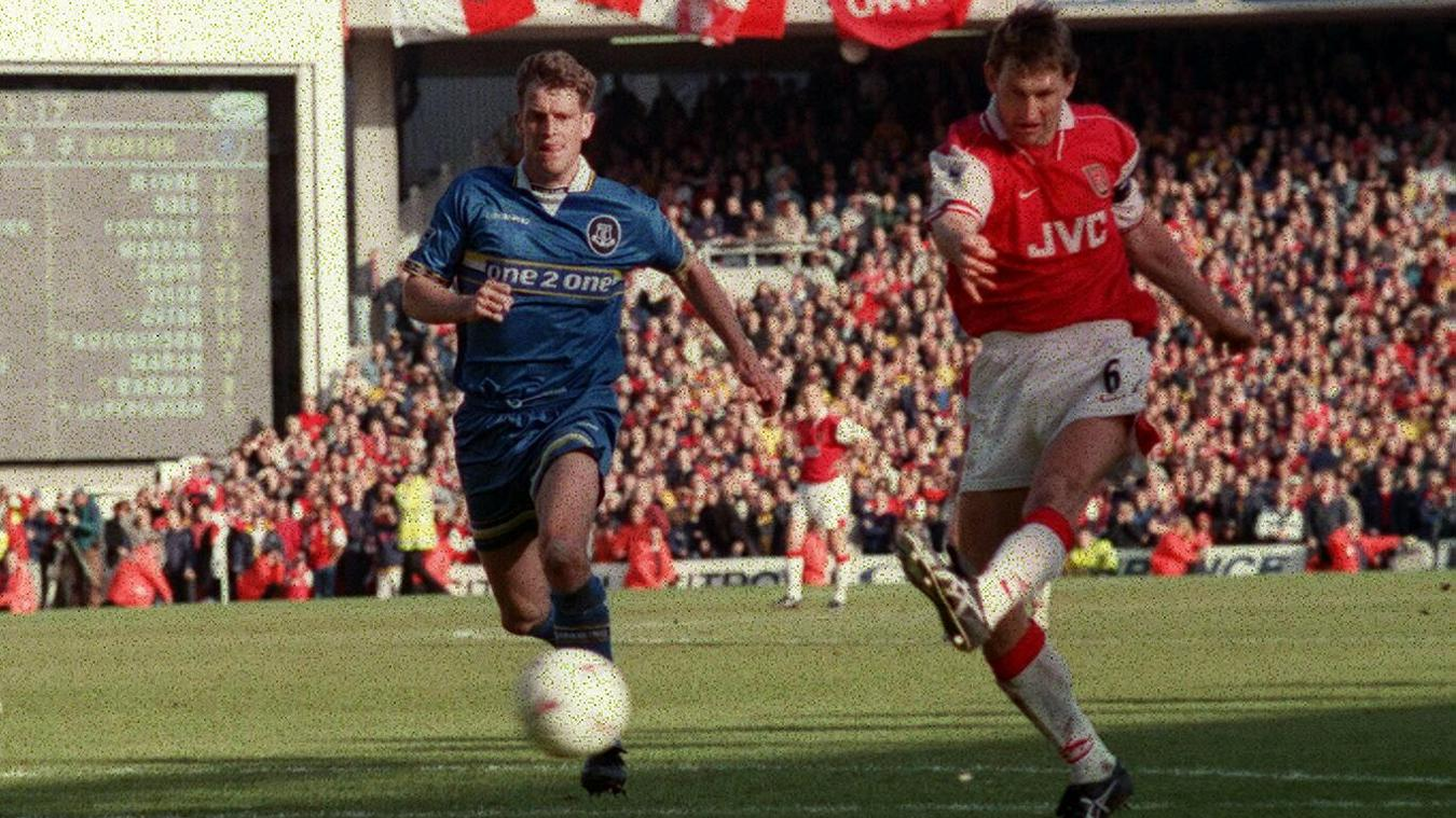 Tony Adams' thumping strike makes it Arsenal 4-0 Everton