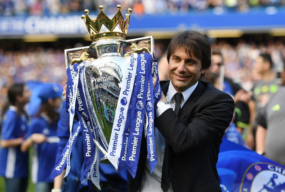 Antonio Conte with Premier League Trophy