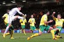 Flashback: Bale runs Norwich ragged