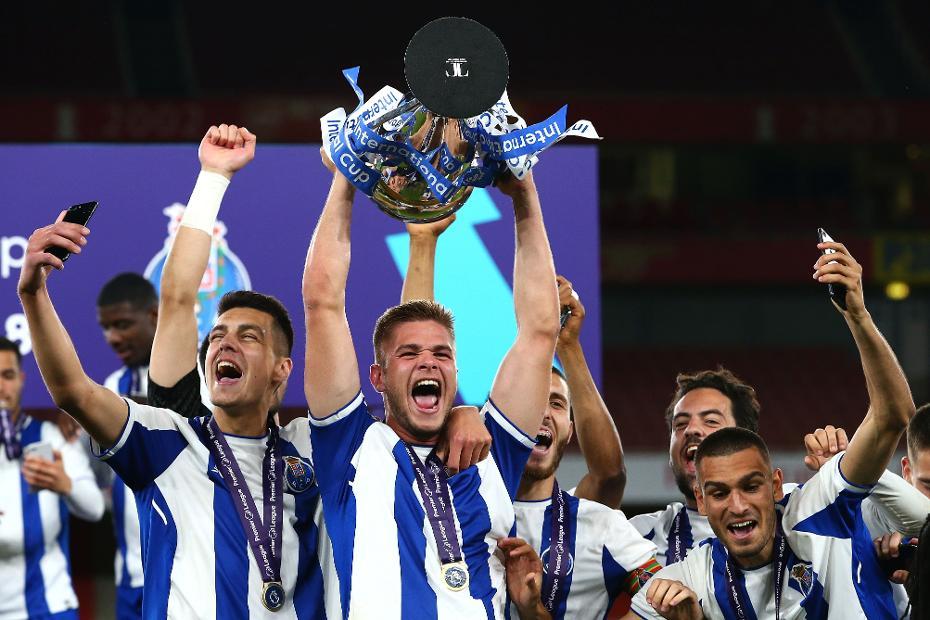 Porto celebrate winning Premier League International Cup