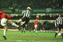 Eric Cantona scores the only goal for Man Utd at St James' Park