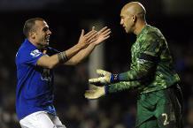 Goal of the day: Howard blast beats Bogdan