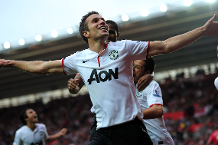 Iconic Moment: Van Persie treble earns late win