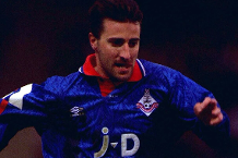Iconic Moment: Oldham beat title-chasing Man Utd