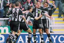 Laurent Robert v Man Utd 2001