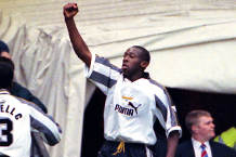 Celebrate Wanchope's birthday with his solo goal at Man Utd