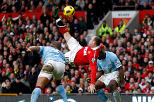Wayne Rooney and Alan Shearer relive their best PL goals