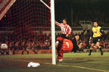 Tony Adams' own goal, Sunderland v Arsenal, 1996/97
