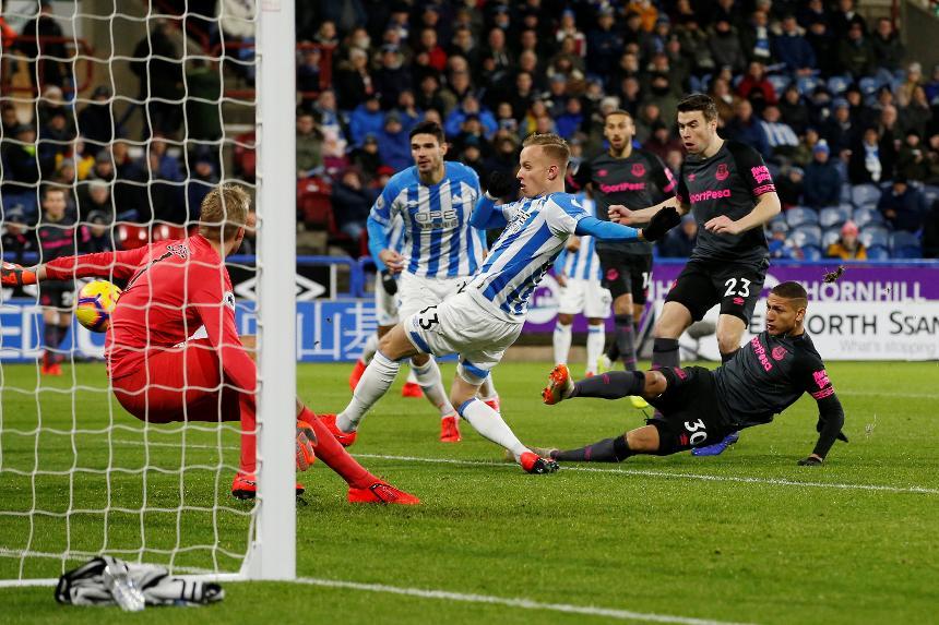 Huddersfield Town v Everton