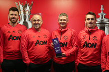 Solskjaer: Barclays award for fans and team