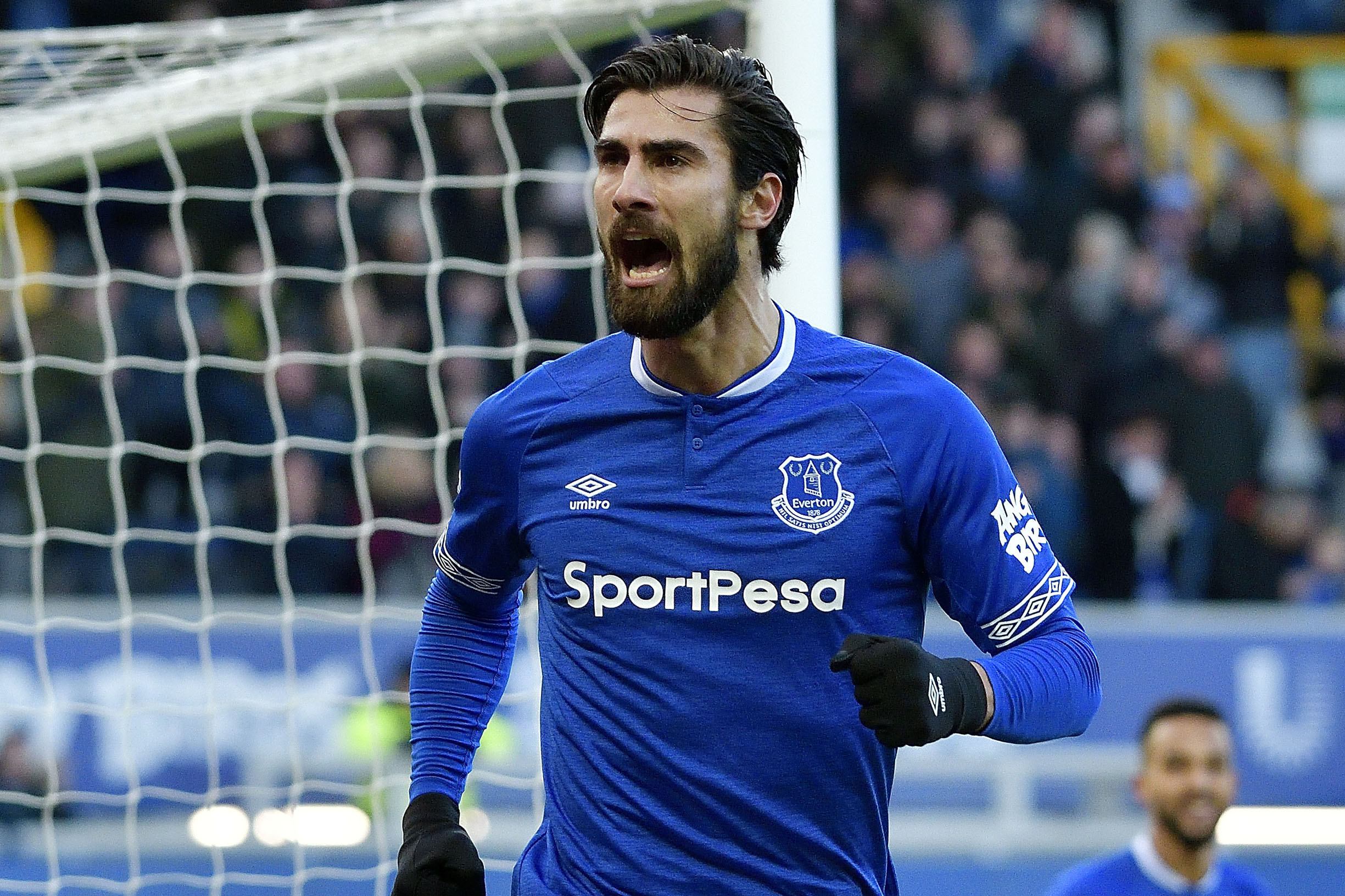 Andre Gomes joins Everton in £22m deal
